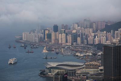 年中答卷:香港經濟延續強勁態勢