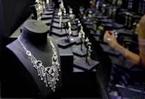 """香港珠寶首飾展覽會舉行 業界冀把握""""一帶一路""""機遇"""