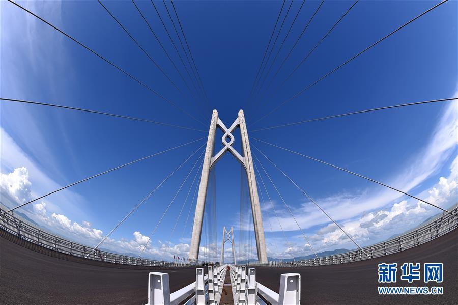 港珠澳大桥:我国超大型交通建设多领域突破