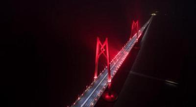 """这些技术给港珠澳大桥装上""""超强大脑"""""""