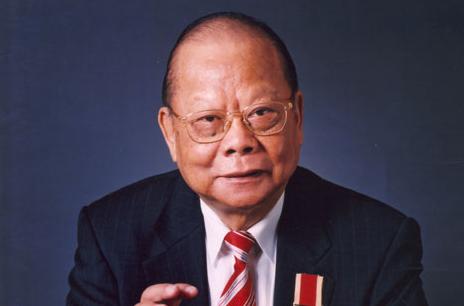 曾憲梓:傾力支持改革開放的香港著名企業家