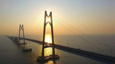經一鐵一橋出入香港人次均破千萬