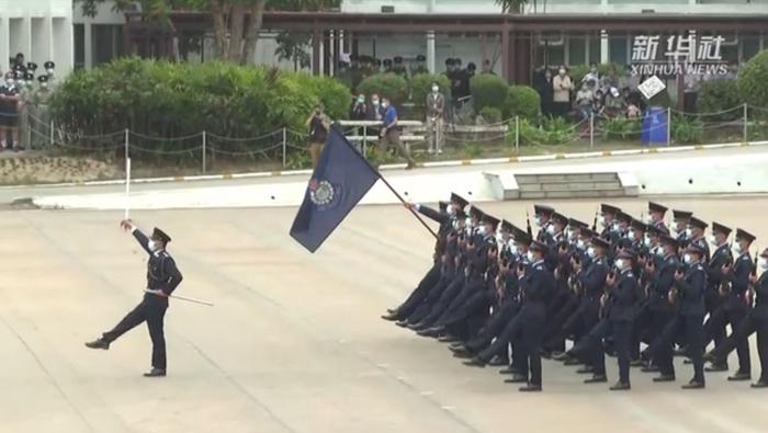 香港警察首次以中式步操亮相 反恐演習超級燃
