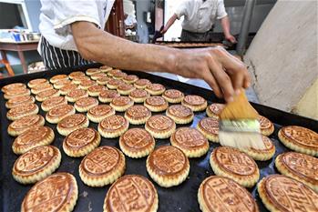 融合月餅暢銷新疆邊境小城