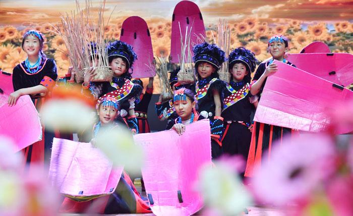 """""""U+校餐計劃""""公益行動走進西藏米林"""