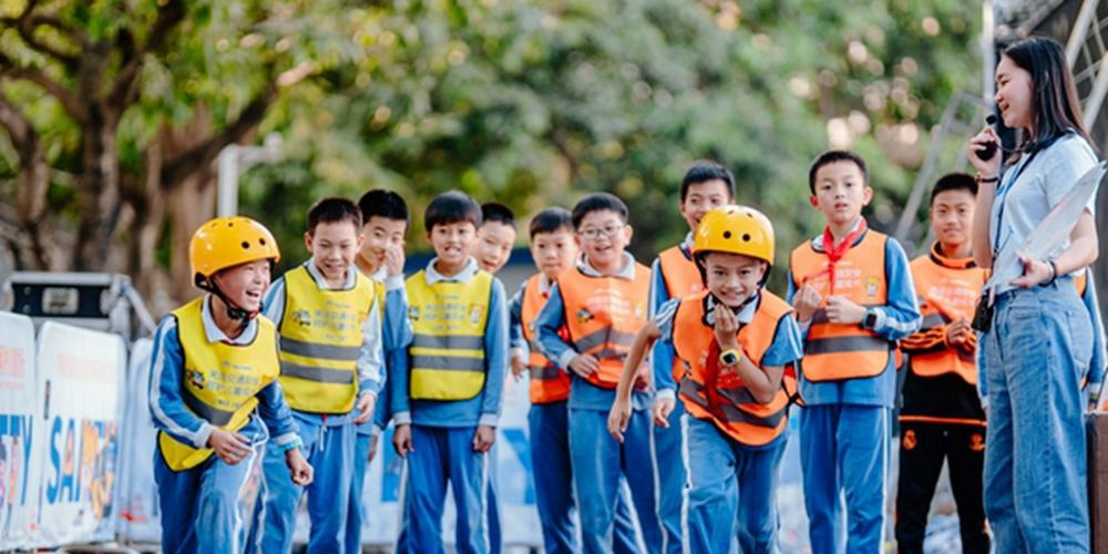 為了兒童的平安快樂成長,我們應該做些什麼?|宇通&壹基金兒童交通安全公益行告