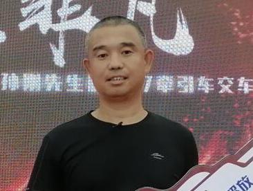 """開""""火龍""""狂奔突圍的硬漢孫剛"""