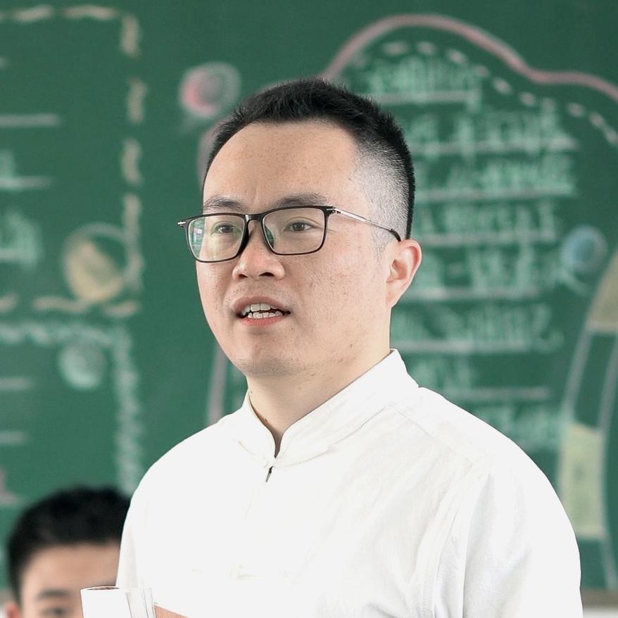 """""""宝藏语文老师""""王杨军"""
