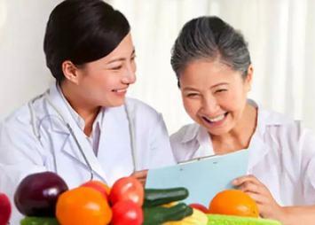 湖南:鼓励三级医疗机构至少配两名营养师
