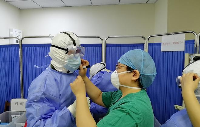 """戰""""疫""""場上的北京中醫力量——北京中醫醫院援鄂團隊紀實"""