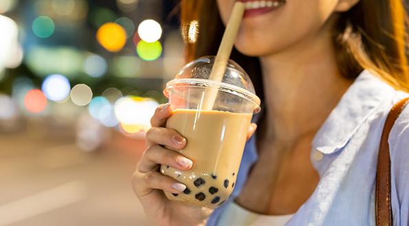糖攝入過多有這麼多危害?手裏的奶茶忽然就不好喝了
