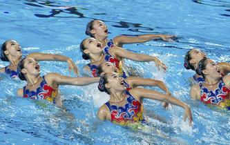 花樣遊泳——集體自由自選預賽:中國隊晉級決賽