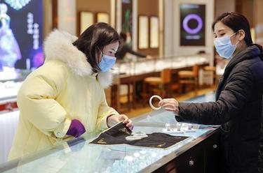 武漢多家商場恢復營業