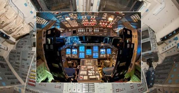 美国航天飞机驾驶舱复杂内部揭秘