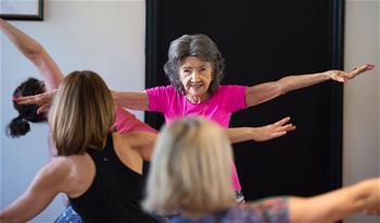 世界最年長瑜伽教練