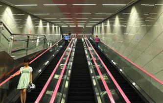 """重慶60米深地鐵站成""""網紅"""""""