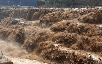 黃河壺口瀑布迎來伏汛