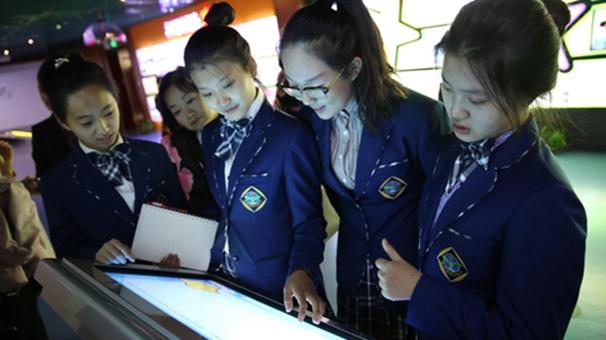 黑龍江大慶高新區:邀請中學生參觀預防青少年違法犯罪教育基地