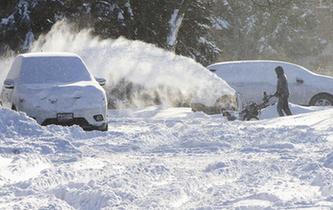 加拿大多倫多遭遇強降雪