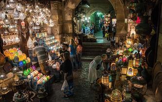 夜色下的開羅老市場