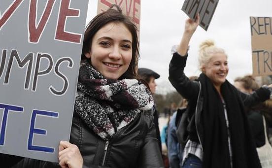 巴黎民眾抗議特朗普行政令