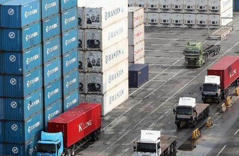 韓國最大海運企業韓進海運宣告破産
