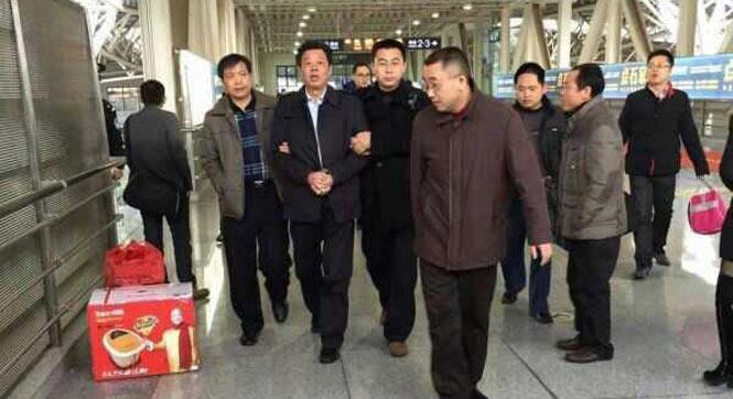 湖南岳陽副市長陳四海被立案偵查 被帶走照曝光