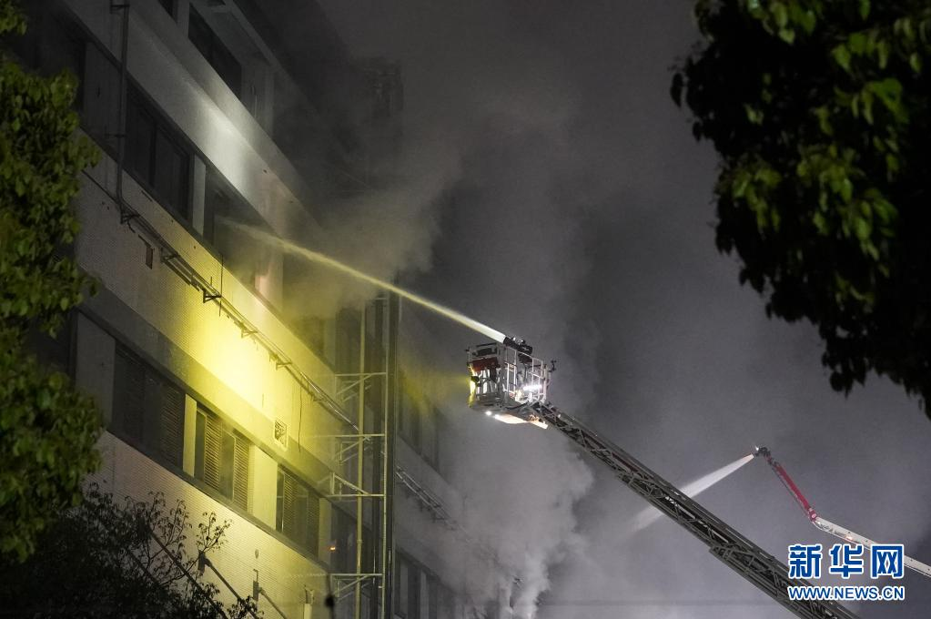 上海金山区一企业厂房火灾造成8人死亡 其中两名系消防救援人员