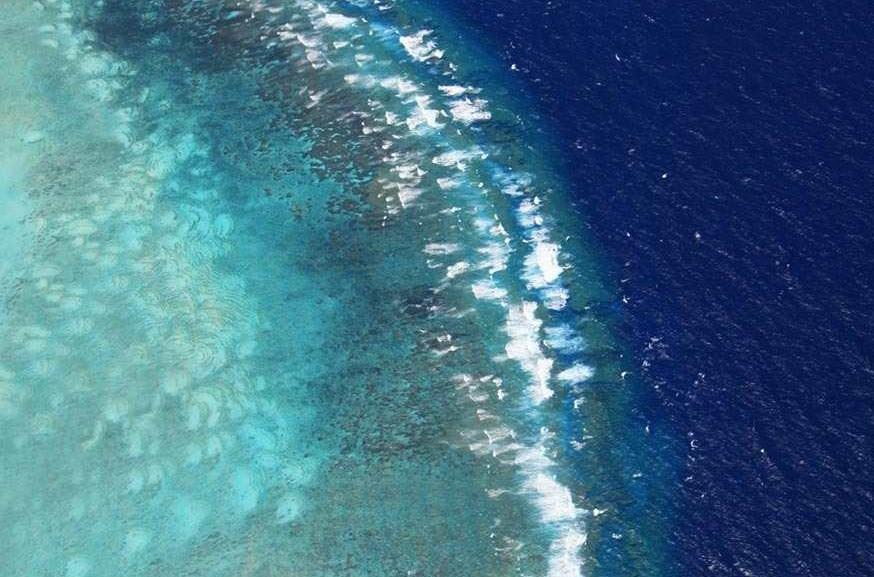 本网记者航拍西沙群岛 展现壮美全貌