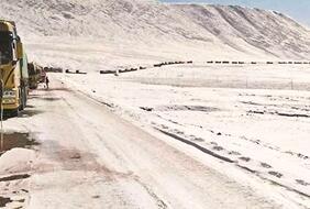 近4000名司機被困 唐古拉山上演大營救