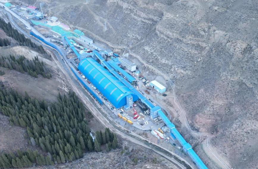新疆一煤礦發生透水事故 21人被困