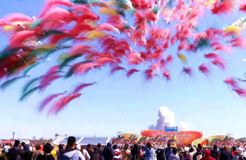 萬人放飛——第38屆濰坊國際風箏會勁爆開幕