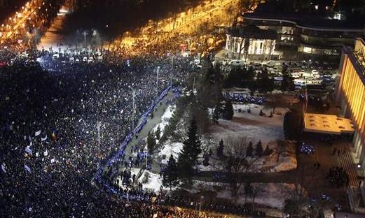 羅馬尼亞民眾抗議政府通過修改刑法緊急政令