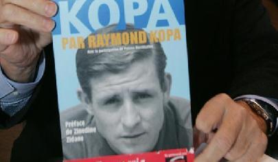 法國足球名宿科帕離世