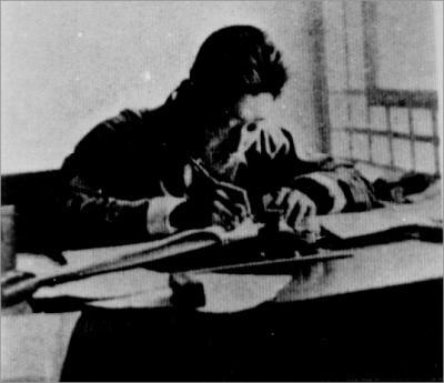 媒体报道抗日英雄故事:有人用步枪击落日军机