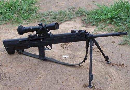 js7.62mm狙击枪是目前内地外观结构的一支狙击枪.全枪最好紧凑.阿花教程a外观图片