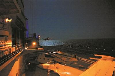 歼-15舰载机具备昼夜起降和综合攻防能力