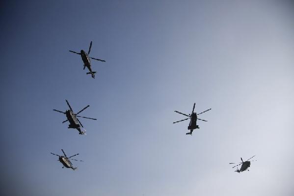 武警某部直升机支队春训