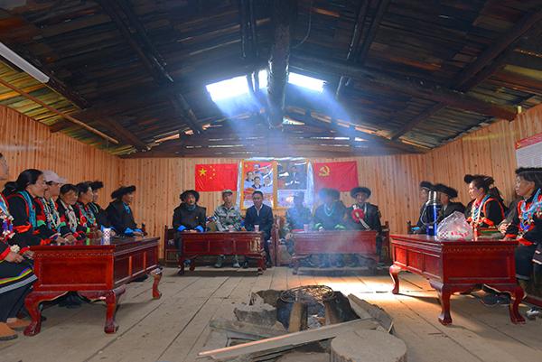"""""""感谢亲人解放军!""""――西藏军区某边防团扶贫记事 中国纸财网"""