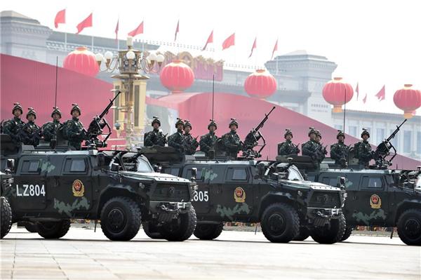 高清大图丨武警反恐突击方队