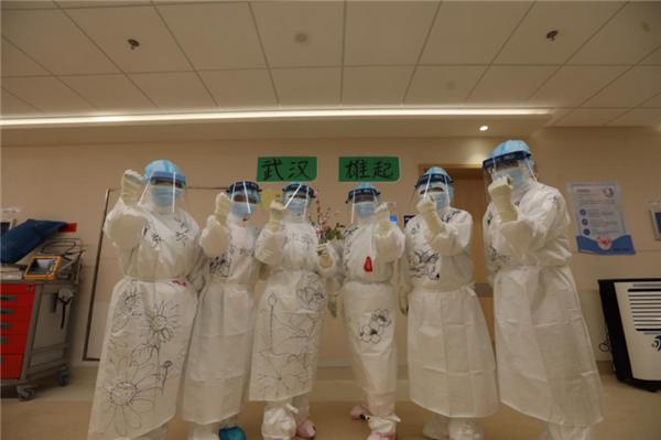 春天,来了――军队支援湖北医疗队六姐妹将美景迎进病房