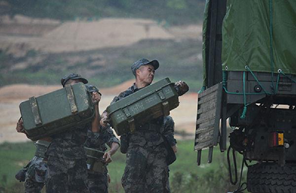 陆军第74集团军某合成旅炮兵分队实弹考核掠影