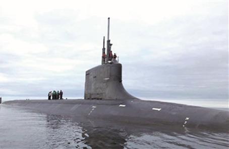 """冰海""""幽魂""""解读美海军海狼级攻击核潜艇联合抢拍器"""