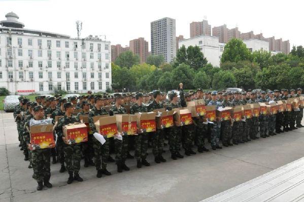 河南漯河:召陵区人武部精准保障新兵被装发放偷心淑女