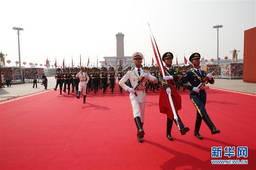 (在习近平强军思想指引下·我们在战位报告·图文互动)(2)护卫国旗 重于生命——中国人民解放军仪仗大队国旗护卫队执行国旗升降任务记事