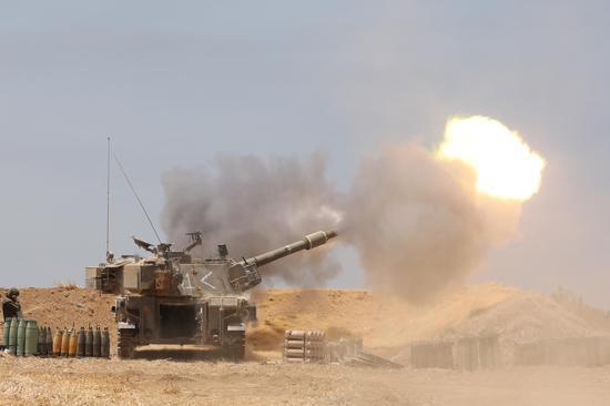 5月12日,以色列炮兵发射现场