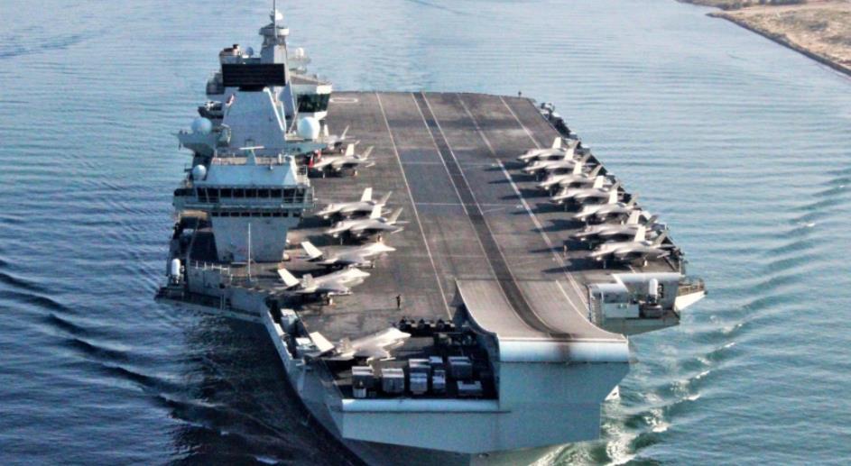英航母驶入南海炫耀武力 港媒:冒险赌博或导致对抗
