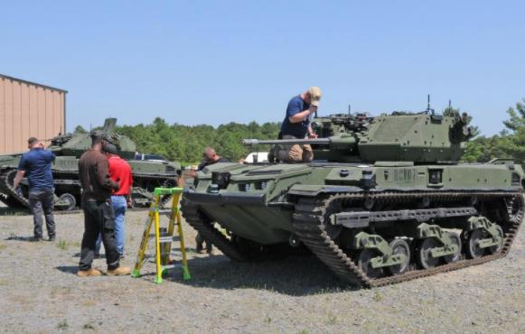 """备战2022年 美军开始测试""""无人坦克"""" 配备混合动力发动机能静音行驶"""