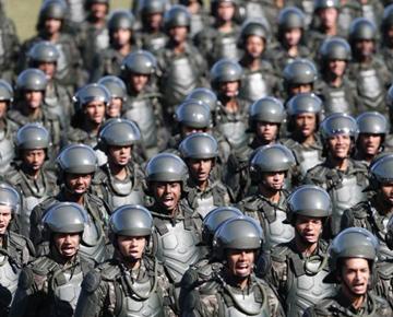 巴西世界杯軍方安保隊伍亮相