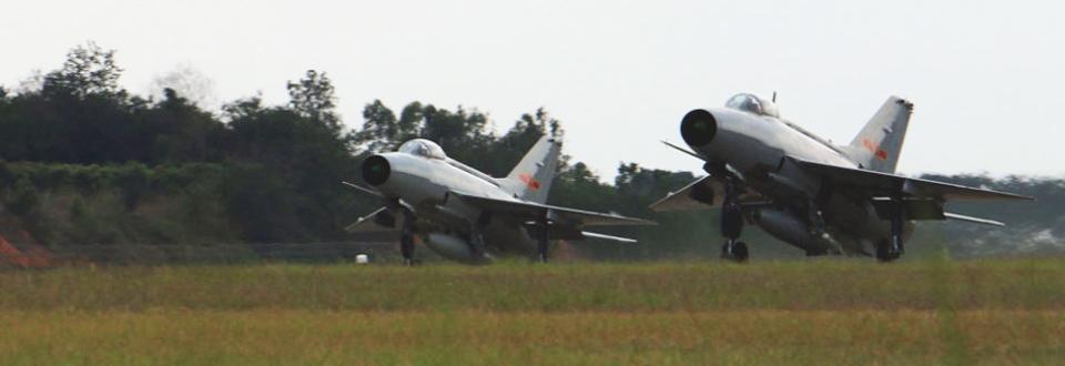軍方曝中國空軍二代戰機群出動全程